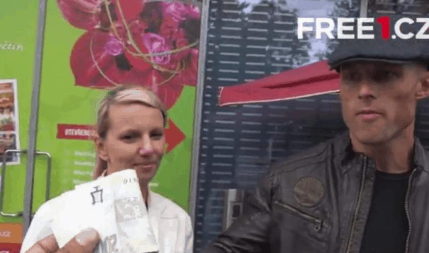 Psychopat Aleš z Prostřeno se zase ukázal! Běhal po Praze bez trenek - FOTO #1