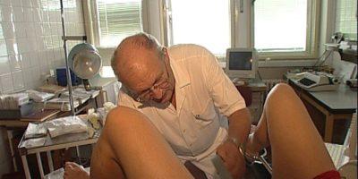 Gynekolog překvapil mladou pacientku, zasunul do ní penis