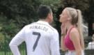 Naivní holky! Myslely si, že je balí samotná hvězda fotbalu Cristiano Ronaldo