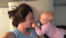 Tohle zná každá máma: Ukázka, že to máte opravdu těžké! Chcete spát, ale dítko nedá a nedá pokoj