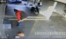 Největší pos*r století! Muže zachytila skrytá kamera, když pustil svou kontroverzní nálož z těla ven