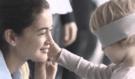 Děti musí ve videu poznat poslepu svou pravou maminku, výsledek vás překvapí!