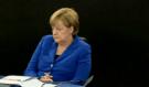 """Zaútočil na Merkelovou! """"Pustila jste sem mladé násilné ekonomické migranty"""", ta jen blbě čuměla…"""