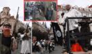 Konvička dorazil na Staroměstské náměstí s vlajkou IS a začal střílet! Lidé se dali bezhlavě na útěk, vše dokazuje toto VIDEO