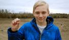 ŠTĚSTÍ JAKO HROM! 14letý chlapec šel s rodiči na procházku, běhěm momentu se z něj stal milionář