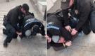 Policista ve službě promluvil. Proč zaklekávají na lidi bez roušky? A jak se tomu bránit?